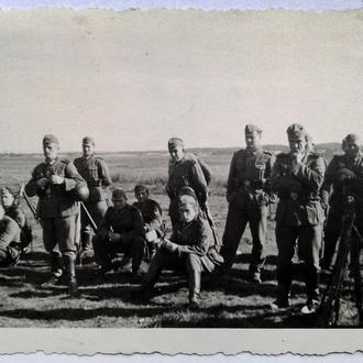 Старое фото В поле Вторая мировая война Германия nB eedbf35f8623a