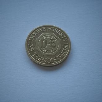 старий жетон D-E DOUWE EGBERTS. красивий нечастий недорого.