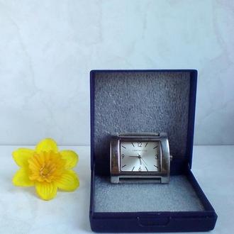 Часы женские REDHERRING от DEBENHAMS (кварцевые)