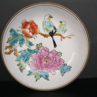 Очаровательная старинная тарелка, миска Цветы,Птицы в латунной оправе!Ручная роспись!Китай!