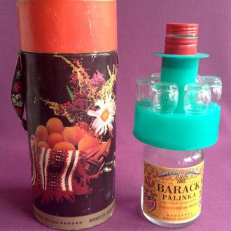 Набор коллекционный Barack Palinka. Бутылка от ликёра и 6 рюмочек в оригинальной коробке.