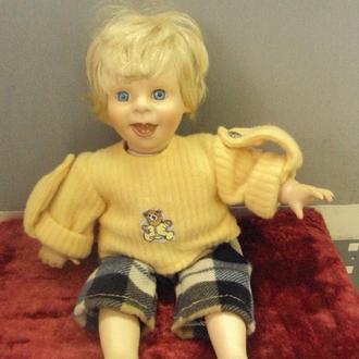 Кукла характерная фарфор мальчик 31 см №256