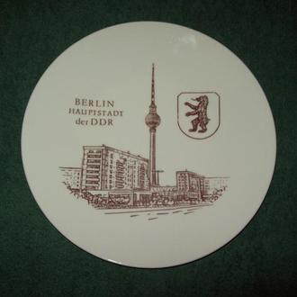 Тарелка настенная сувенирная Kahla ГДР