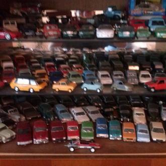 Kоллекцию машинок.