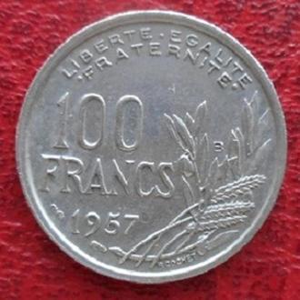 """Франция 100 франков 1957 год. Отметка монетного двора: """"B"""" - Бомон-ле-Роже."""