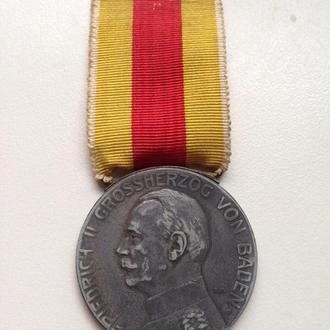 """Баден медаль """"За заслуги"""" .ПМВ."""