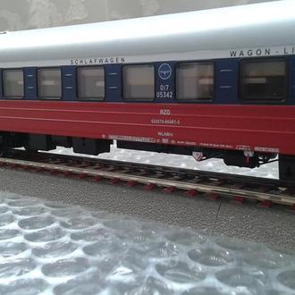 Пассажирский спальный вагон ACME 05342  РЖД /Железная дорога Piko,Roco H0(1:87)