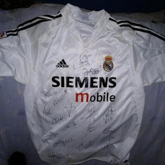 Футболка Real Madrid с автографами игроков за 2004 год