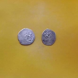 Интересные две арабские монеты. Серебро.