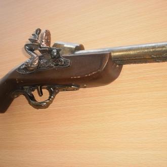 Копія старовинного пістоля 1818 року. Колекційна запальничка. Зажигалка. Дерево та метал. Робоча.