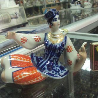 фигура фарфор коростень девушка с зеркалом энеида №255