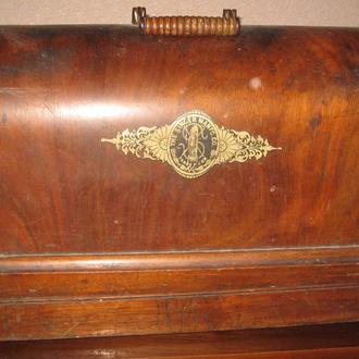 Швейная ручная машинка Singer