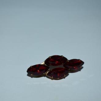 красивая брошь с красными камнями клейма позолота винтаж