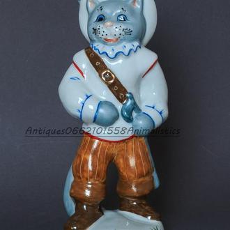 Фарфоровая статуэтка Кот в сапогах Коростень скульптор Д. А. Назаров