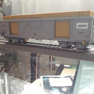 4х осный вагон с контейнером Roco 76724