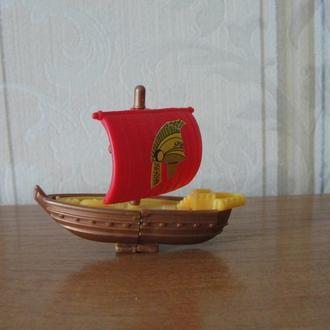 Киндеры,лодка,парусник