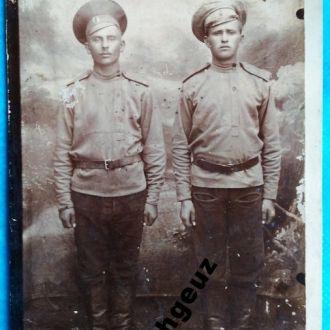 Два товарища. Воины. фото