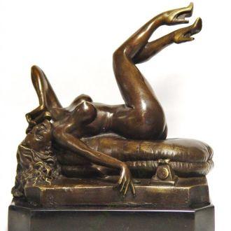Девушка  бронза  статуэтка скульптура эротика