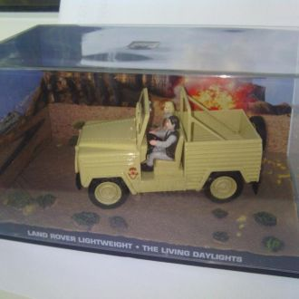 Land Rover Lightweight 1:43 007 James Bond #67