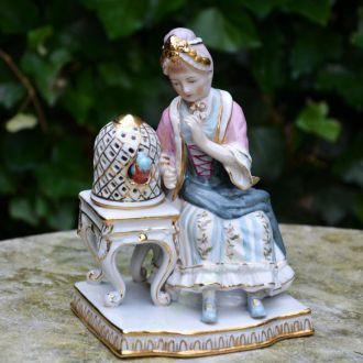 статуэтка фигура фарфор дама с попугаем