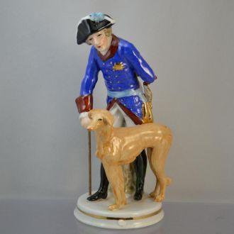 Фарфор статуэтка Германия солдат с собакой.Доставка бесплатно !
