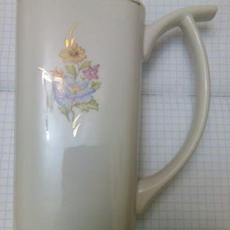Чашка для минеральной воды.