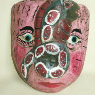 Резная африканская маска. Необычная. Бальза.