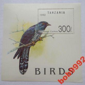 Танзания 1992 г  Европейский дрозд