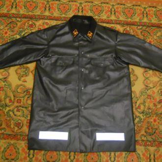 Куртка большого размера.