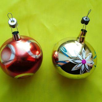 Новогодние елочные игрушки Красивые шары 2 шт
