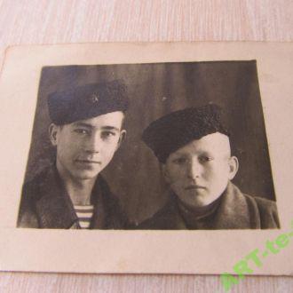 Юные служивые. 194? год. СССР.