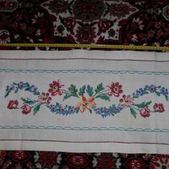 красива вишита серветка рушник вишитий квiти