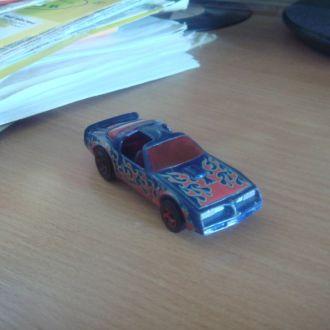Pontiac Firebird Hotweels (днище - металл.!!!)