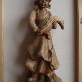 """"""" Женщина с гусём"""" старинная скульптура"""