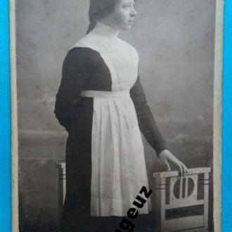 Ученица. М. Старосельский. фото. Харьков до 1917 г