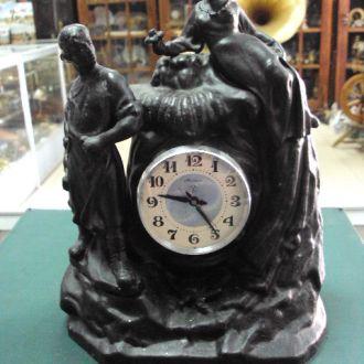 Часы Молния каменный цветок