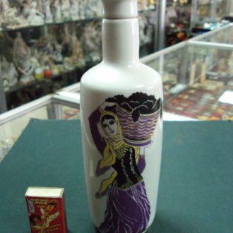 ЛФЗ штоф бутылка девушка с виноградом фарфор