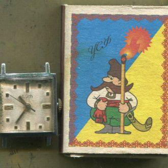 Наручные часы  Луч  женские