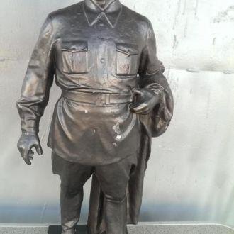 Скульптура фигура Киров скульптор Арапов 64г 55см