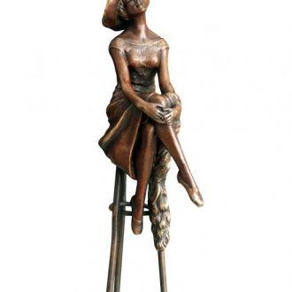 Аристократка дама в шляпе статуэтка бронза.Доставка бесплатно !