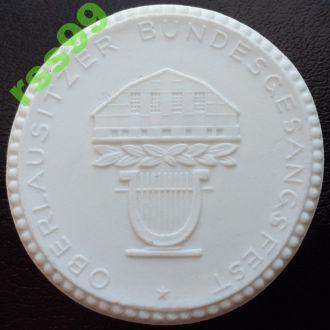 ГЕРМАНИЯ медаль 1922 год ФЕМИДА, САКСОНИЯ!!!  БЕЛЫЙ ФАРФОР! ВСТРЕЧАЕТСЯ РЕДКО! ОРИГИНАЛ!