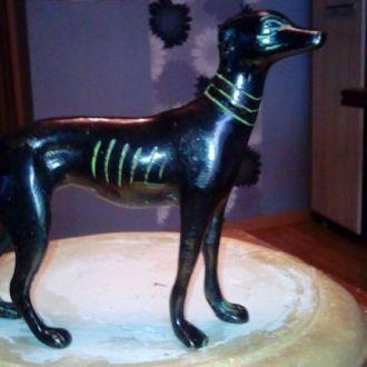 Собака -старая бронза Европа