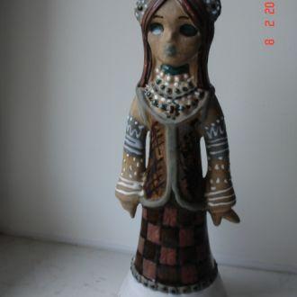 Игрушка фигурка украинка керамическая