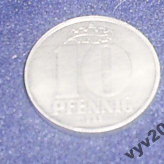 ГДР-1983 г.-10 пфеннигов (А)
