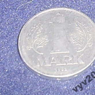 ГДР-1982 г.-1 марка (А)