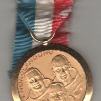 Аполлон 11 покрыта золотом 1969 г