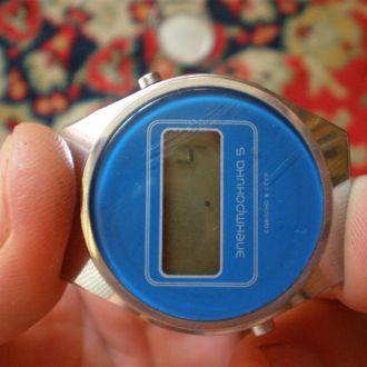 часы Электроника 5 полурабочие 0500