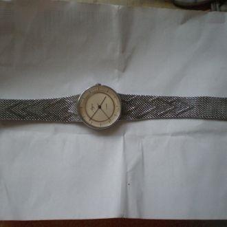часы Луч редкие позолоченный мех идут  0706
