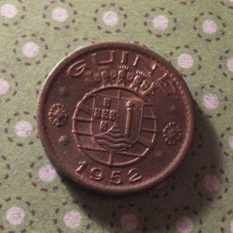Гвинея 1952 год монета 50 сентаво