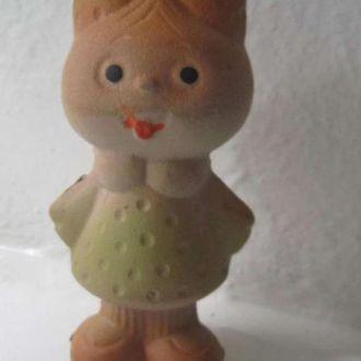 Игрушка СССР  Девчушка с бантиком. Резина
